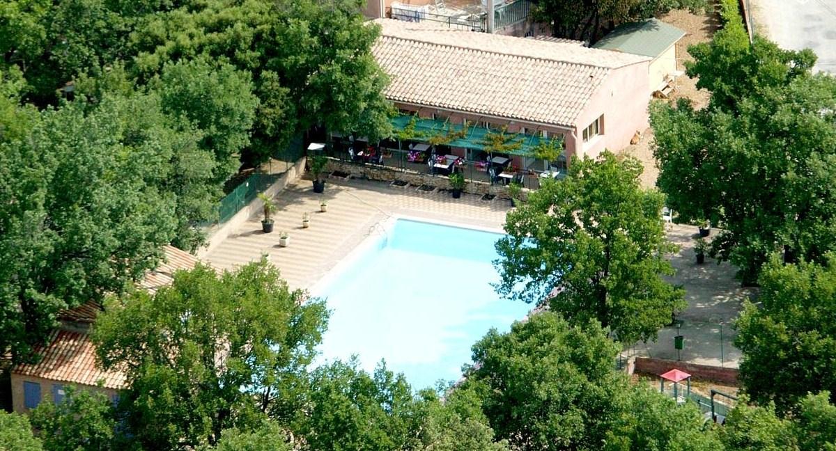 Camping dans le Luberon avec piscine chauffée