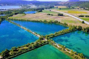 lieux incontournables dans le Luberon - les 7 lacs Beaumont