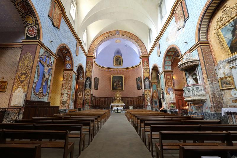 Activité à faire à Gordes : visiter l'église saint-firmin